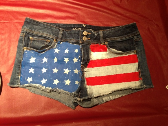 DIY American Flag Shorts from Glatz & Glamour
